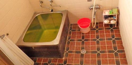 古い浴槽やシャワーなど一式入れ替え